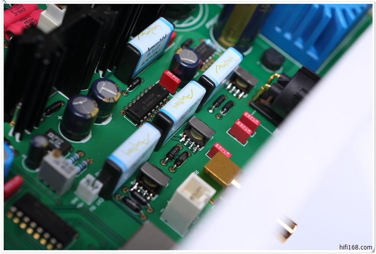 超精密分立元件电源系统供给r2r-dac模组